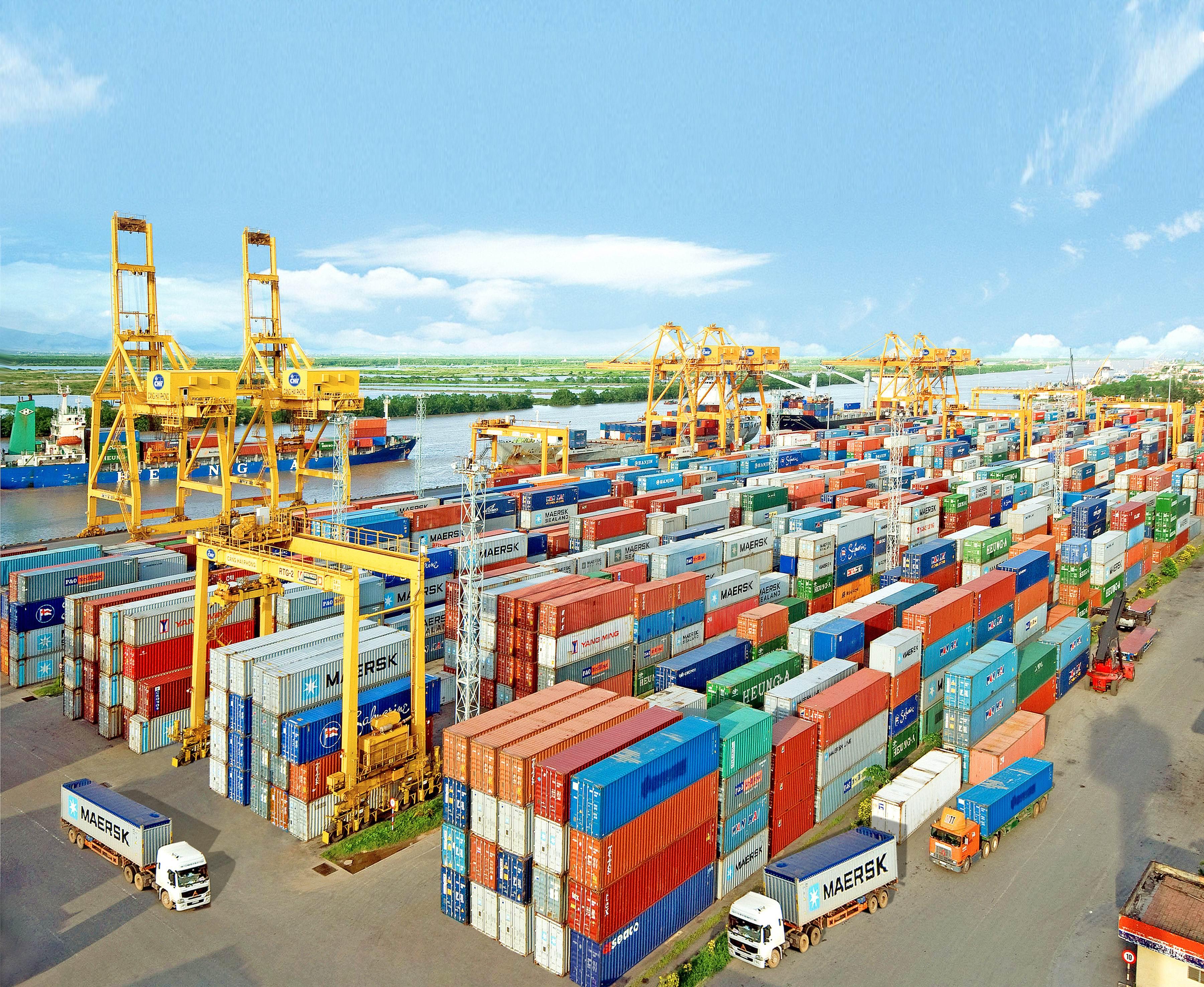 Kết quả hình ảnh cho container xuất nhập khẩu